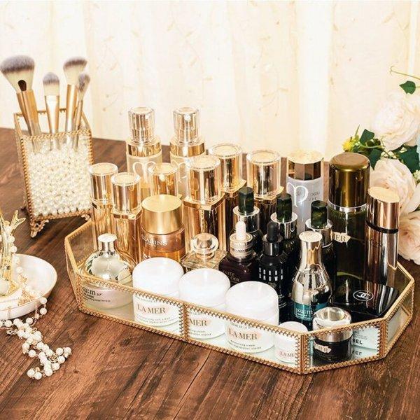 Glass bottle, Product, Beauty, Bottle, Perfume,
