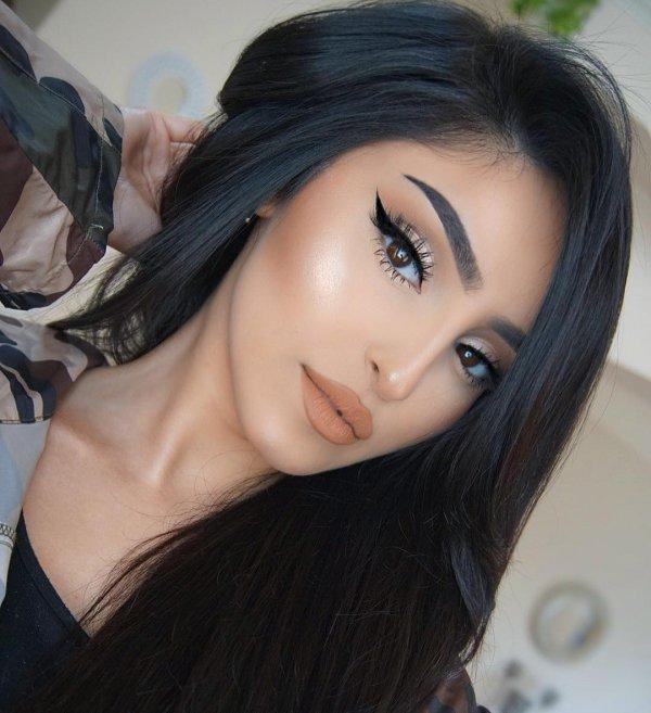 eyebrow, human hair color, beauty, black hair, chin,
