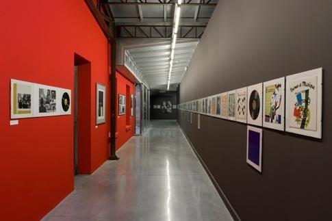 transport, art exhibition, aisle, tourism, subway,