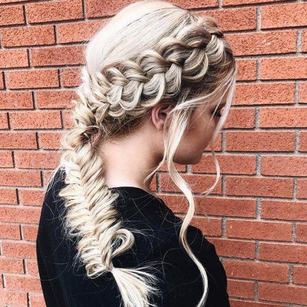 hair, hairstyle, long hair, hair coloring, hair accessory,