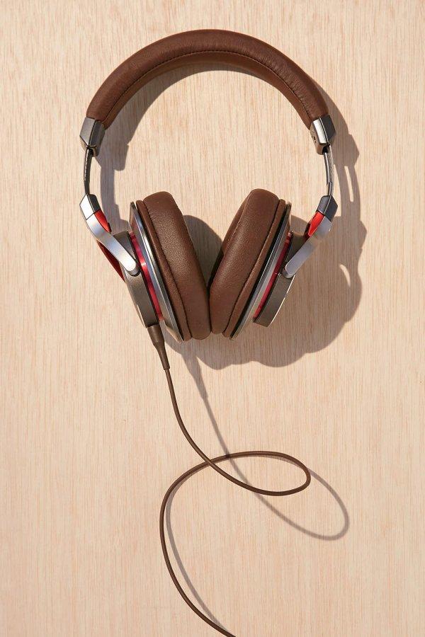 Audio-Technica ATH-MSR7 over-Ear High-Resolution Audio Headphones