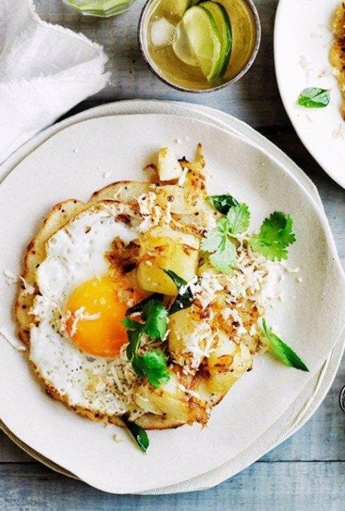 Fried Egg Dosa with Potato Curry