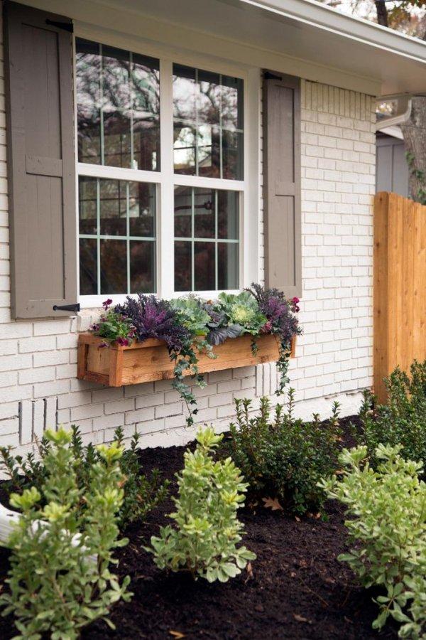 property,yard,porch,home,backyard,