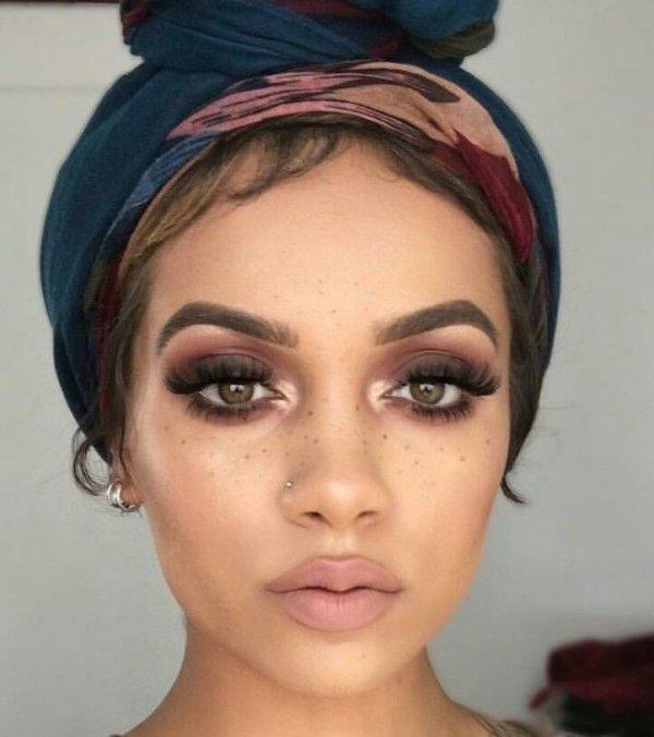 eyebrow, face, hair, clothing, forehead,