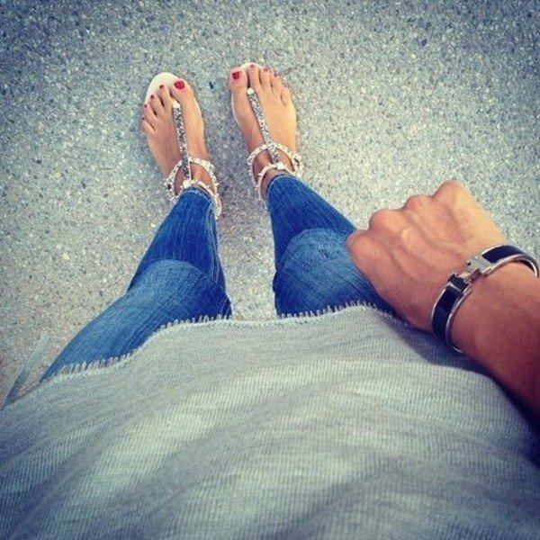 color,blue,footwear,leg,finger,