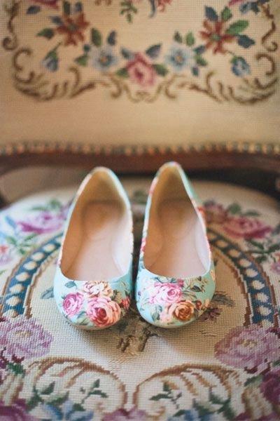 footwear,pink,shoe,leg,art,