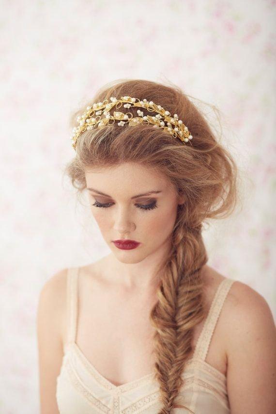 hair,clothing,bridal accessory,fashion accessory,bridal veil,