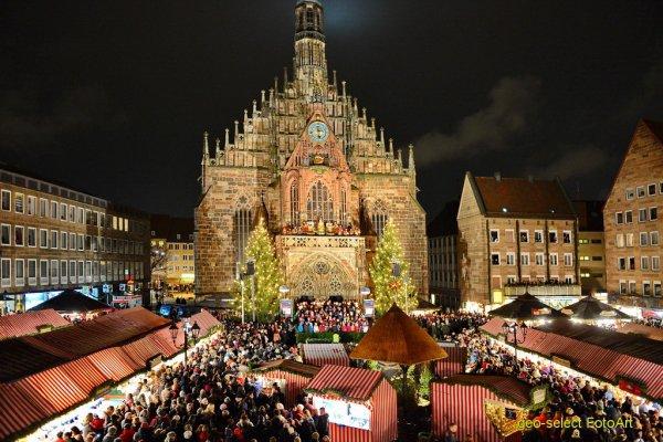 Mulled Wine and Gingerbread at Nürnberg's Christkindlmarkt, Germany