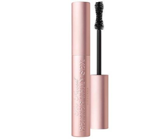 eyelash,cosmetics,mascara,lip gloss,lip,