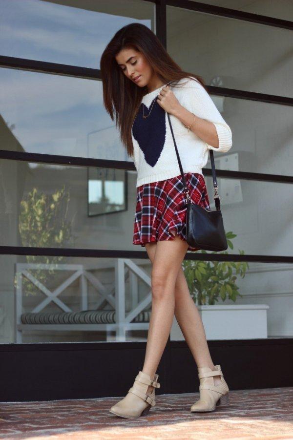 clothing,leg,fashion,costume,thigh,