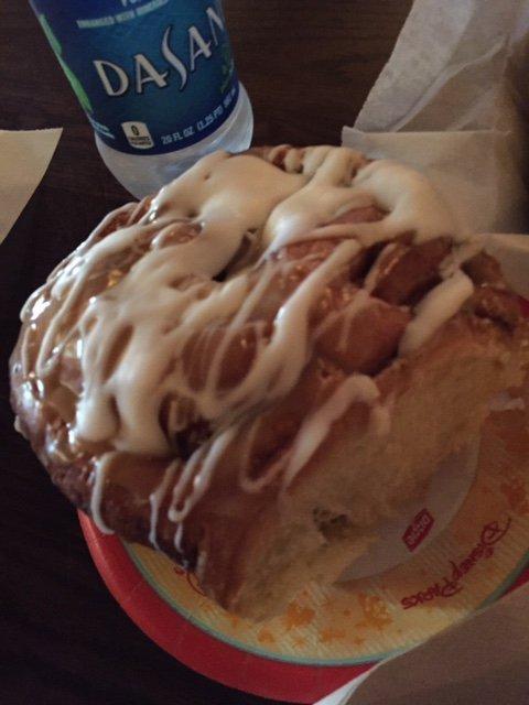dessert, food, baking, american food, cinnamon roll,