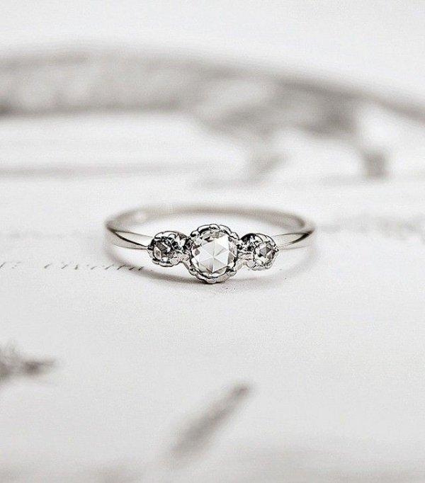 ring,jewellery,platinum,fashion accessory,wedding ring,