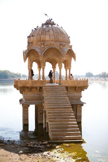 Gadi Sagar Lake, Jaisalmer