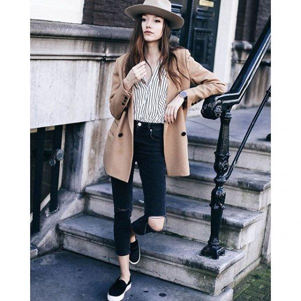 clothing, footwear, outerwear, leg, trousers,