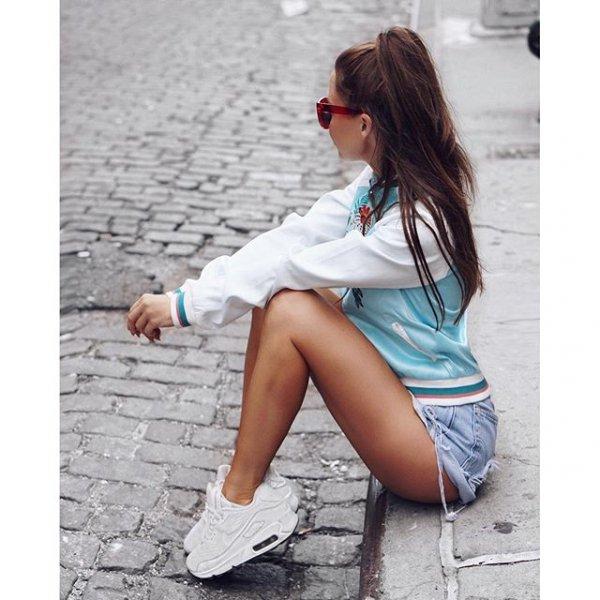 clothing, footwear, leg, hairstyle, thigh,