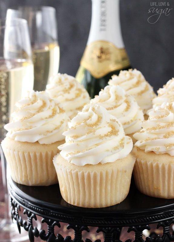 Food, Cupcake, Buttercream, Icing, Dessert,