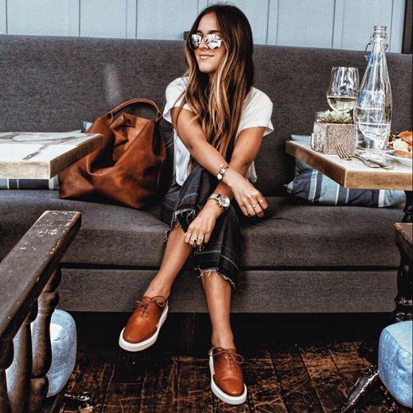 footwear, clothing, leg, supermodel, fashion,