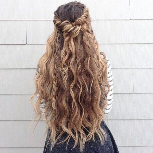 clothing, hair, hairstyle, long hair, blond,