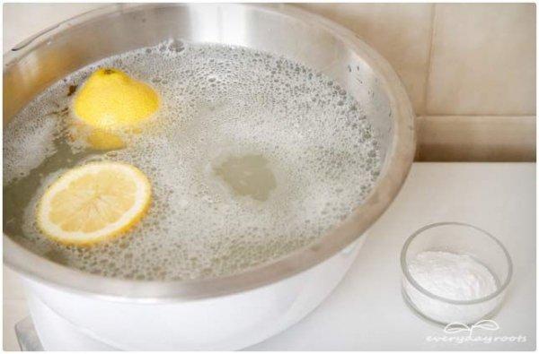 Bubbly Baking Soda and Citrus Foot Soak