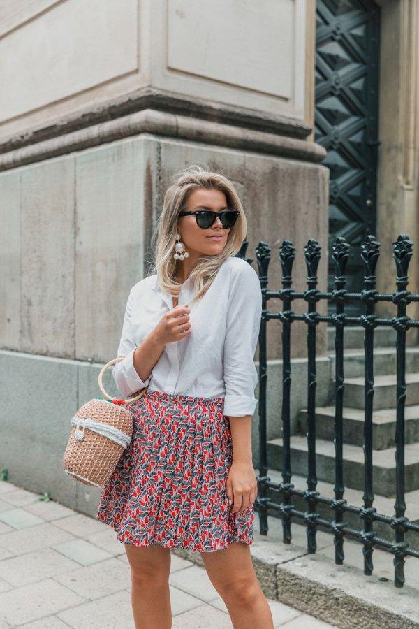 Clothing, White, Street fashion, Shoulder, Fashion,