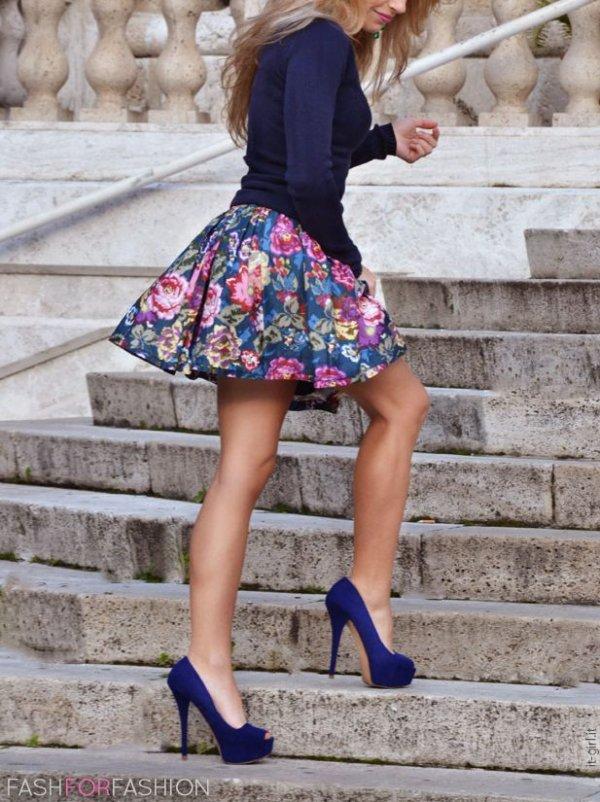 clothing,blue,dress,footwear,pattern,