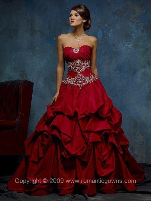 31 der schönsten rote Ballkleider in der Welt...