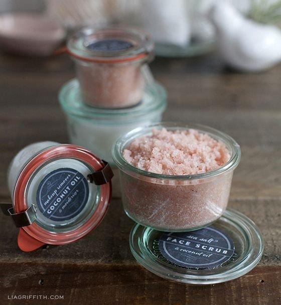 DIY Coconut Oil & Sea Salt Face Scrub