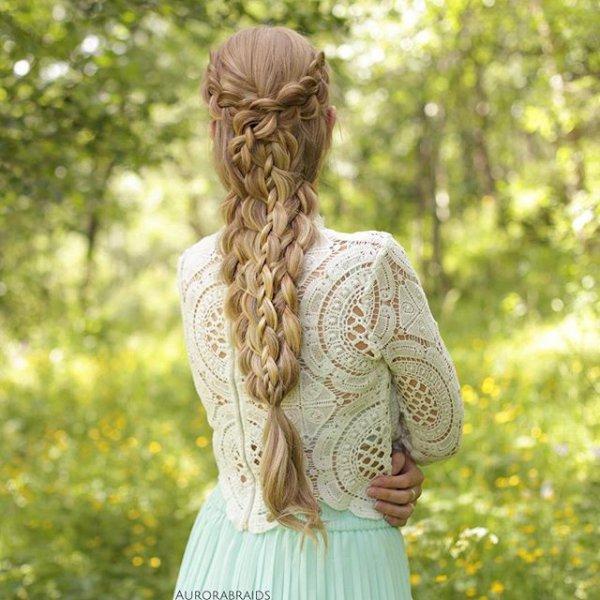 clothing, hair, hairstyle, sculpture, long hair,