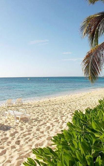 sea, beach, body of water, shore, sky,