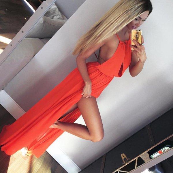 clothing, blond, leg, photo shoot, hand,