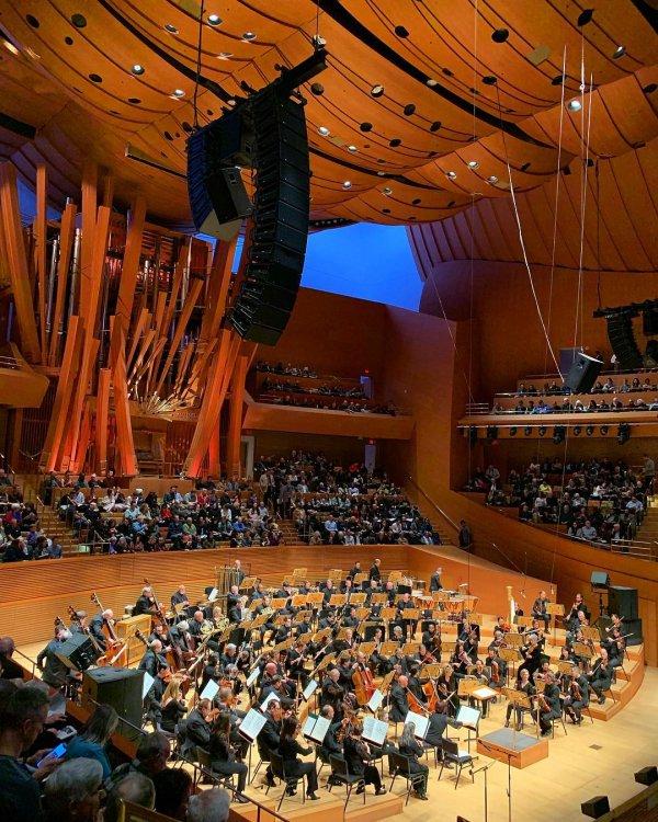 Concert hall, Auditorium, Musical instrument accessory, Music, Stage,