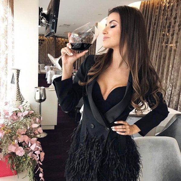 shoulder, fashion model, lingerie, little black dress, socialite,