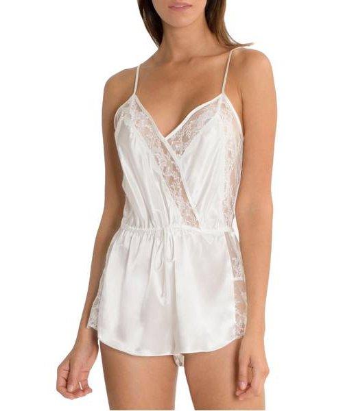 neck, lingerie, lingerie top, waist, undergarment,