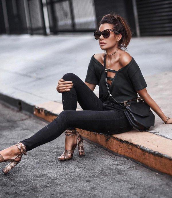 footwear, fashion model, shoulder, shoe, tights,