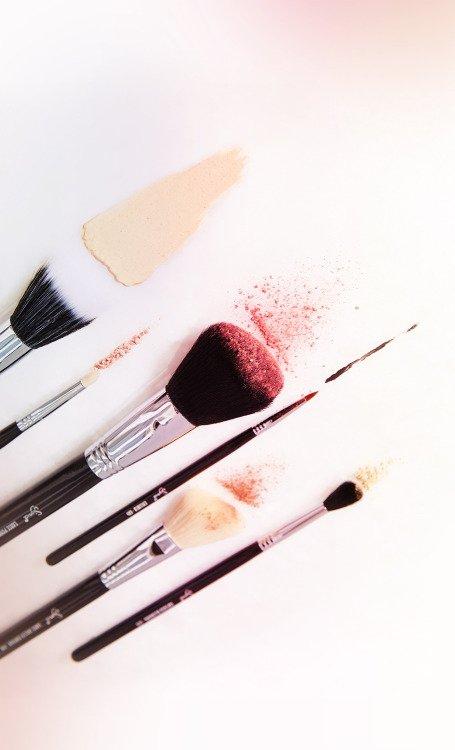 Use a Good Quality Blush Brush