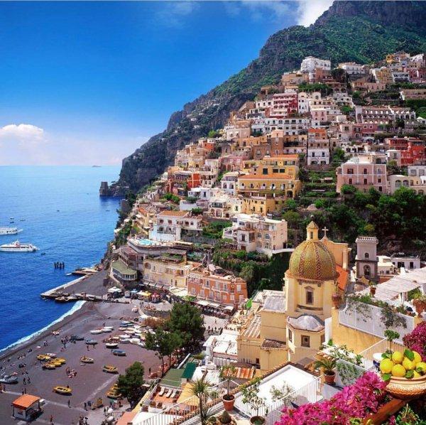 Town, Coast, Tourism, Human settlement, Mountain village,