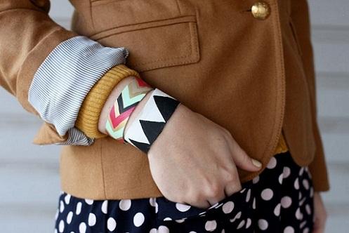 DIY Painted Leather Bracelet...