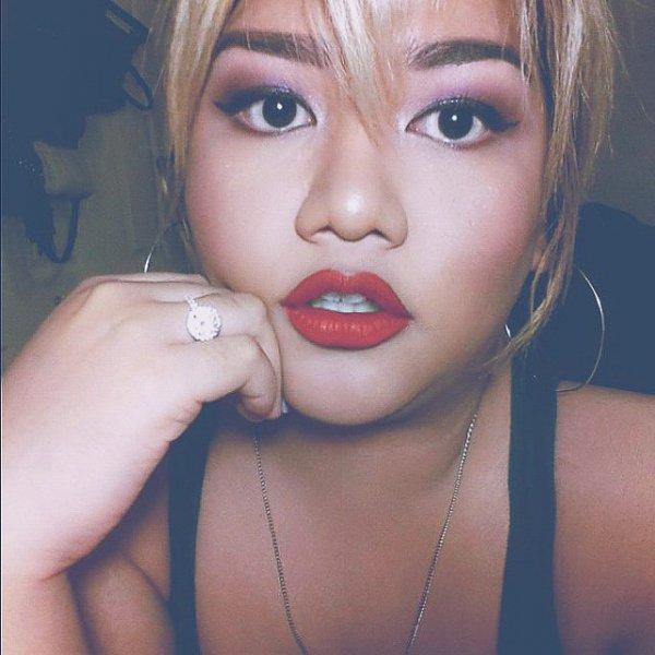Chloe's Gorgeous Glam Red Lip
