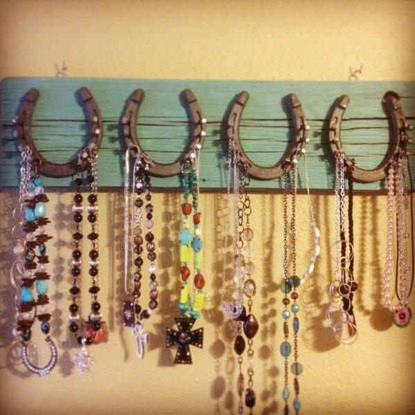 earrings,fashion accessory,jewellery,bead,exe,