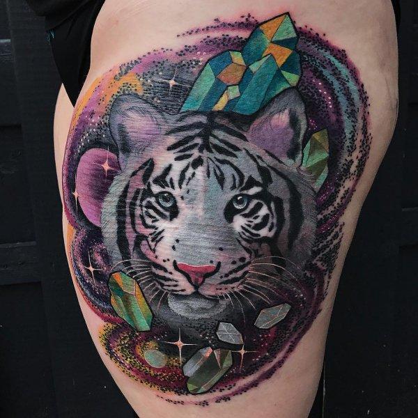 mammal, tattoo, arm, tattoo artist, chest,