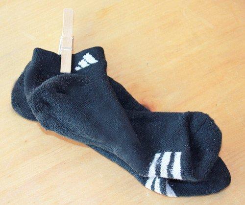 footwear,sock,shoe,fashion accessory,wool,