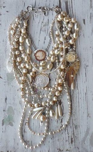 necklace,jewellery,fashion accessory,pearl,chain,
