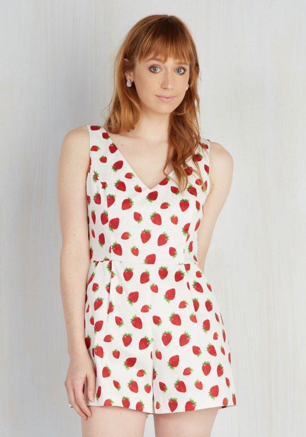 clothing, polka dot, sleeve, pattern, swimwear,
