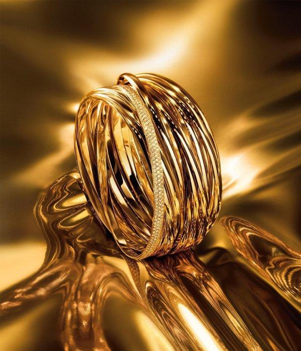 close up, macro photography, metal, gold, brass,