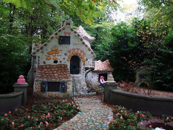 Efteling,garden,flower,shrine,yard,