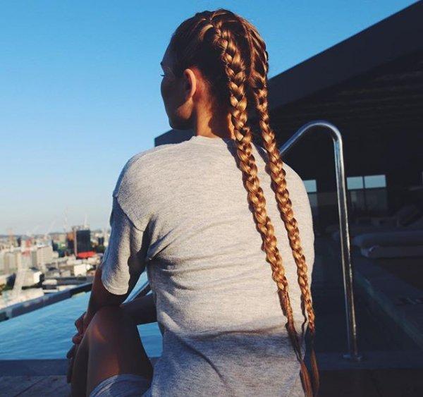 hair, hairstyle, sea, natural material,