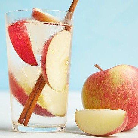 juice, drink, non alcoholic beverage, fruit, cocktail garnish,
