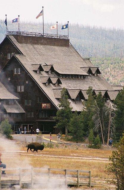 Old Faithful Inn, Yellowstone National Park, USA