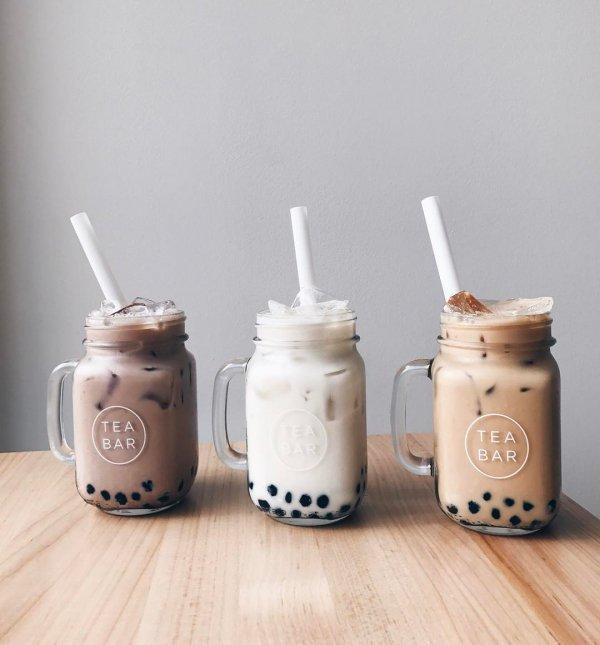 mason jar, dairy product, tableware, smoothie, milkshake,