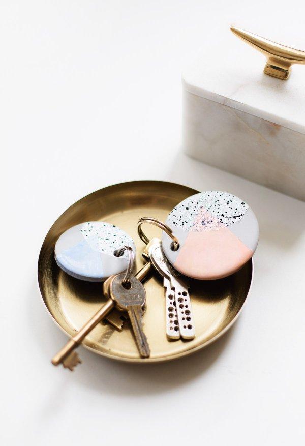 fashion accessory, locket, jewellery, ceramic, porcelain,